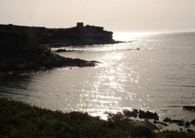 Sardaigne, coucher de soleil sur une tour aragonaise