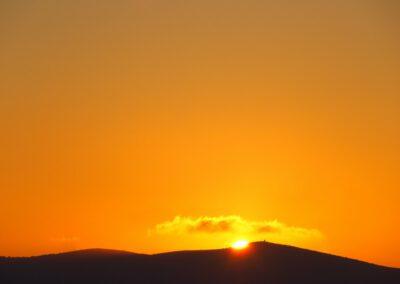 Sardaigne, coucher de soleil sur le Monte Timidone