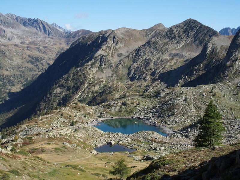 lac de montagne sous le col de la Lombarde