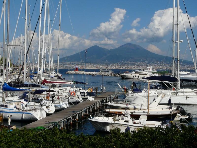 Vue sur le Vesuve depuis Naples
